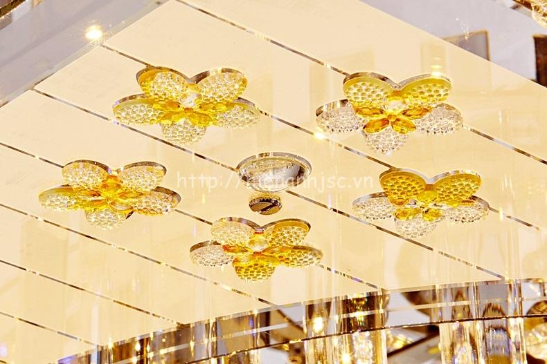 Đèn trần trang trí pha lê hình chữ nhật phong cách Châu Âu
