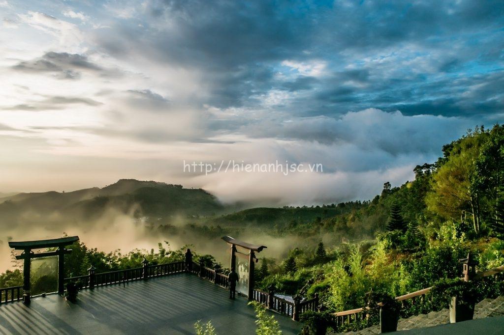 Tranh dán tường - Tranh phong cảnh chùa Linh Quy Pháp Ấn - Lâm Đồng