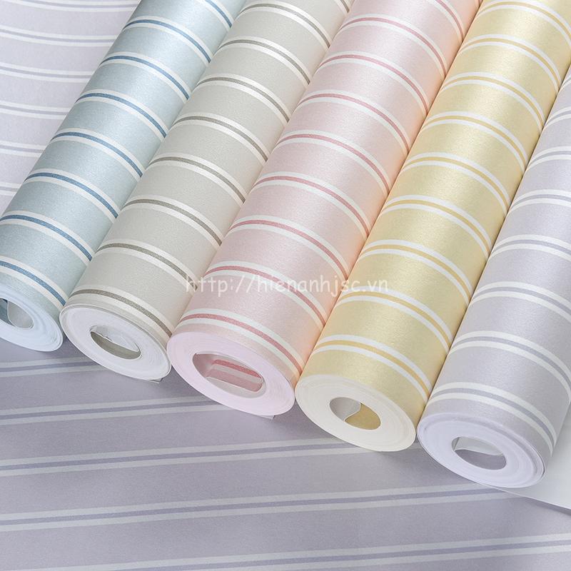 Giấy dán tường kẻ sọc hiện đại có 5 màu sắc nhẹ nhàng dễ kết hợp với nội thất
