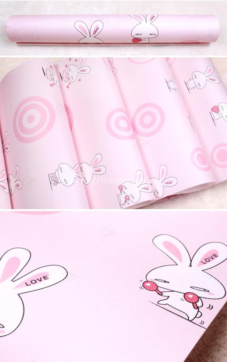 Hình ảnh cuộn giấy thực tế của mẫu giấy dán tường hình thỏ hoạt hình