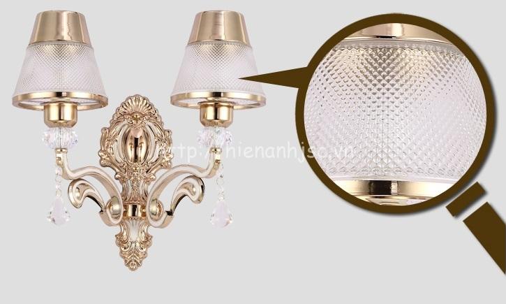 Hình ảnh lớn chi tiết của phần thủy tinh trên thân đèn